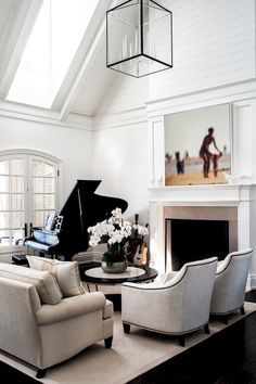 Awesome 70 Amazing Black and White Living Room Decor Trend https://decorapatio.com/2017/06/17/70-amazing-black-white-living-room-decor-trend/