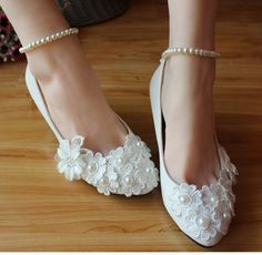 Wedding shoe white for brides fashion flower beads decoration sweet sexy women's bridal wedding pumps shoe in stock WED 018(China (Mainland))