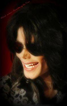 """""""Quando fizemos a conferência de imprensa em Londres, foi a maior conferência de imprensa para anunciar um projeto de entretenimento ao vivo que eu já vi. Ele estava tão nervoso, e realmente preocupado sobre o que ele estava iniciando e como as pessoas reagiriam a ele depois de tantos anos. E quando ele ouviu o barulho da multidão e começou a subir os degraus, depois dessa fase, ele se tornou """"Michael Jackson"""" novamente quando ele entrou e tomou o microfone na mão. --P1"""