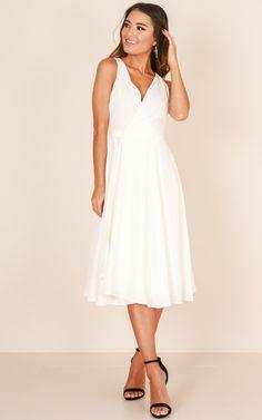 a849b7613ac7 Classic Lady midi dress in white