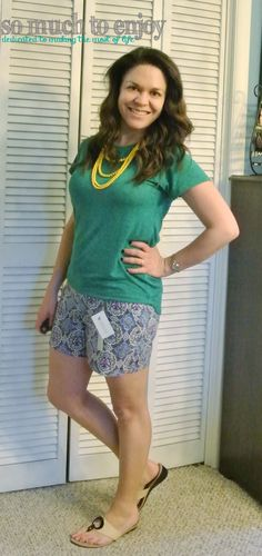 Level 99 Cindie Printed Shorts and Market & Spruce Sam Hi-Lo Short Sleeve Tee - Stitch Fix Review May 2015 somuchtoenjoy.com