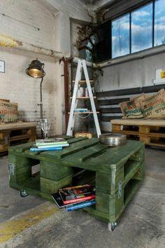 Möbel Paletten gartenmöbel europaletten grün bemalt tisch