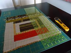 The+Quilting+Edge:+Tutorial/QAYG+#+3/Squaring+Up+the+Blocks