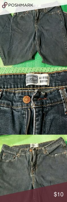 Levis Jeans Levis Signature Jeans bootcut worn a few times but still looks new. Levi's Jeans Boot Cut