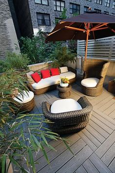 41 Comfortable and cool roof terrace design ideas | kevoin.com  #rooftop #rooftopideas #rooftopdesign Roof Terrace Design, Roof Design, Design City, String Lights In The Bedroom, Cozy Patio, Cool Roof, Backyard Patio Designs, Outdoor Living, Outdoor Decor