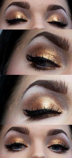 maquillage des yeux doré et noir, oeil de chat