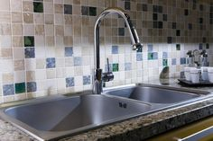 New and Cheap Kitchen Makeover DIY ideas on a budget - - Steel Kitchen Sink, Kitchen And Bath, Diy Kitchen, Kitchen Cleaning, Kitchen Modern, Kitchen Reno, Kitchen Faucet Reviews, Cheap Kitchen Faucets, Cheap Kitchen Makeover