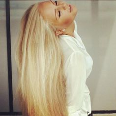 long blonde hair, I locally like  to see beautiful long blonde hair that is not colored or bleached!
