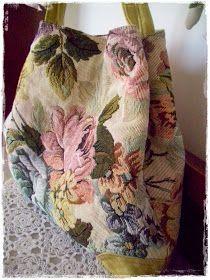 Sacs Tote Bags, Triangle Bag, Diy Sac, How To Make Purses, Diy Bags Purses, Crochet Market Bag, Crochet Circles, Carpet Bag, Boho Bags