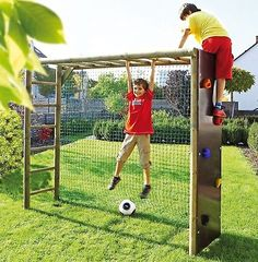 Bekletterbares Fußballtor online bestellen - JAKO-O Source by Kids Outdoor Play, Kids Play Area, Backyard For Kids, Backyard Projects, Outdoor Projects, Outdoor Fun, Backyard Games, Backyard House, Play Areas
