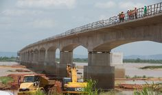 The Federal Government on Sunday relayed the commitment of the present administration towards the completion of the 2nd Niger Bridge in 2022. Mr Babatunde Fashiola, the Minister of Works gave the assurance at a town hall meeting with host communities of Anambra and Delta states. He said although some grounds had been lost in the…