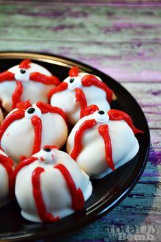 Make Spooky Eyeball White Chocolate Pretzels ~ A Halloween Treat