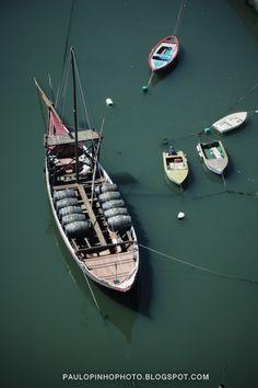 Oporto barquinhos da ribeira | Fotografia de Paulo Pinho | Olhares.com