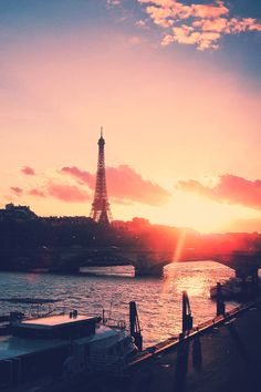 #Paris in sunset colours