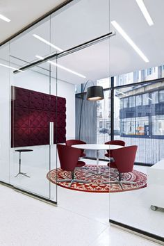 Modern office meeting space breaking away from the traditional black decor. Posted by NYC Office Suites Corporate Office Design, Office Space Design, Modern Office Design, Corporate Interiors, Office Interior Design, Office Interiors, Interior Design Inspiration, Corporate Offices, Modern Offices