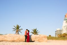 What to wear to a maternity or couples photo session.   © tovaphotography.com Proposal Photographer, Family Photographer, Maternity Session, Engagement Session, Cape Florida Lighthouse, Surprise Proposal, Business Portrait, Miami Beach, Pregnancy Photos