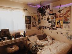 Room Ideas Bedroom, Bedroom Decor, Bedroom Inspo, Dorm Room Designs, Appartement Design, Grunge Room, Cute Room Decor, Wall Decor, Indie Room