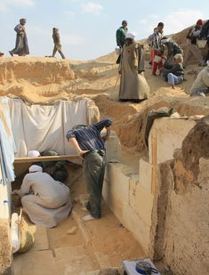 Archaeologists working at the southern Egyptian site of Abydos have discovered the tomb of a previously unknown pharaoh: Woseribre Senebkay—. Ancient Tomb, Ancient Ruins, Ancient Artifacts, Ancient Egypt, Ancient History, Art History, Archaeology News, Le Far West, Egyptian Art