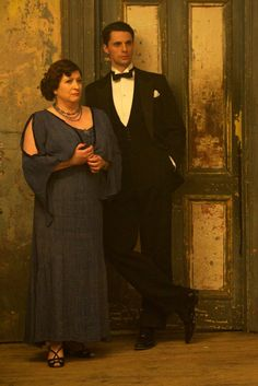 Deirdre and Stanley - Caroline Quentin and Matthew Goode in Dancing on the Edge, set in the 1930s (2013).