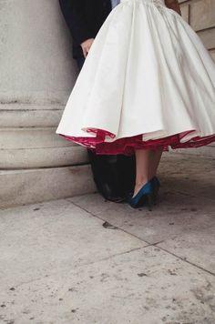 The Knot, Wedding Dress Empire, Designer Wedding Shoes, Red Wedding Shoes, Rockabilly Wedding, Vintage Inspiriert, Unique Fashion, Classy Fashion, Tea Length Dresses