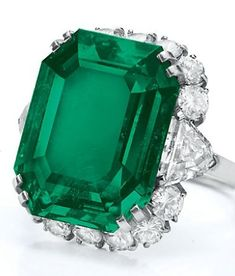 Elizabeth Taylor's Bulgari emerald and diamond ring perfect for a May birthday