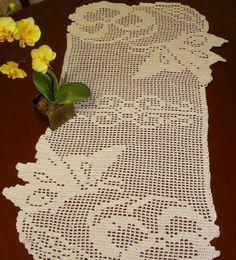 Butterflies filet crochet table runner - Pattern: http://www.pinterest.com/pin/374291419005220056/