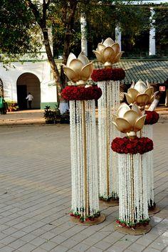 Wedding Decor Photos: An Outdoor Mumbai Wedding at Mahalaxmi Race Course. Marriage Decoration, Wedding Stage Decorations, Diwali Decorations, Festival Decorations, Flower Decorations, Indian Wedding Centerpieces, Gold Centerpieces, Centerpiece Ideas, Wedding Mandap