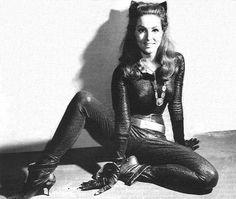 Julie Newmar, la fabulosa Gatubela del pasado.
