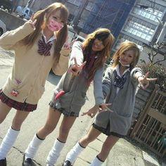 Soul And Maka, Gyaru Fashion, Japanese Street Fashion, Japan Fashion, Japanese Girl, Aesthetic Pictures, Harajuku, Gal 3, Heart Flutter