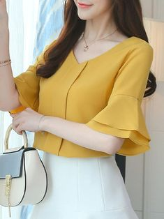 V-Neck Frill Sleeve Solid Beaded Chiffon Blouse Business Outfits, Business Fashion, Business Clothes, Beaded Chiffon, Bell Sleeve Blouse, Short Tops, Blouse Styles, Western Wear, Street Style Women