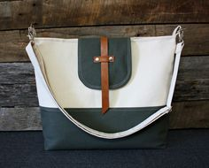 Natural Canvas and Leather bag / 4 Inside Pockets / Adjustable Strap by SweetPeaTotes on Etsy