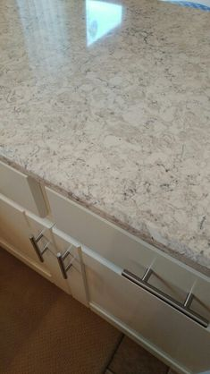 Kitchen Countertops Remodeling LG Aria quartz with creamy white cabinets Outdoor Kitchen Countertops, Kitchen Countertop Materials, Kitchen Backsplash, Kitchen Worktops, Backsplash Ideas, Kitchen Cabinets, Kitchen Redo, Kitchen And Bath, New Kitchen