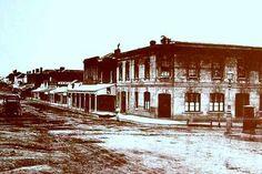 Bridge Road, Melbourne Australia in 1876 Time In Australia, Melbourne Australia, Australia Travel, Brisbane, Richmond Victoria, Melbourne Victoria, Victoria Australia, Richmond Melbourne, Melbourne Suburbs