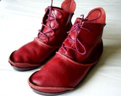 Women's Trippen 'Hermit' Red Leather Ankle Boots. UK5 Eur 38. ))))) must be a 40 ooo you are so nice ...