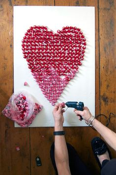 Make a Giant Kisses card! This is such a cool idea for weddings!