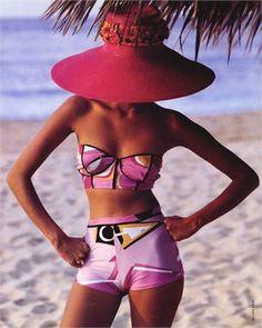 Flowers Vogue Italia june 1992 Helena Christensen by Walter Chin Look Fashion, High Fashion, Womens Fashion, Beach Fashion, Dress Fashion, The Bikini, Sexy Bikini, Pink Bikini, Bikini Diet