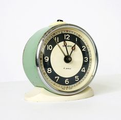 Vintage mechanical alarm clock Sevani from by ClockworkUniverse