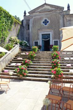 The Quinta vintage wedding venue in Sintra, Portugal is absolutely perfect for all vintage, garden styled, and shabby chic weddings! For more info please email us at: info@lisbonweddingplanner.com