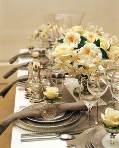 DECORACION DE TARTAS GALLETAS Y CUPCAKES: Mesa decorada en color gris y natural