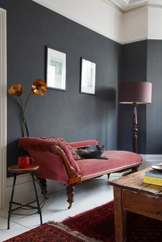 One of my favourite images of The Mad House. Image by James Balston Dark walls and pink sofa with white floorboards Charles & Ray Eames, Dark Walls, Grey Walls, Hygge, White Floorboards, Innovation, Mad About The House, Shabby, Pink Sofa