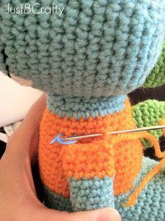 Tips for Attaching Amigurumi Limbs |Just B Crafty ༺✿Teresa Restegui http://www.pinterest.com/teretegui/✿༻