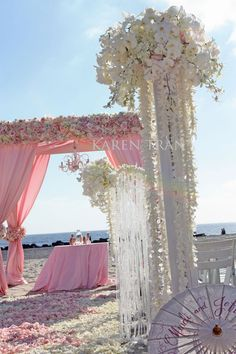 Very pretty in pink: Hotel Del Coronado beach wedding | San Diego Wedding