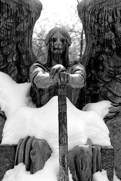 Belas esculturas de cemitério