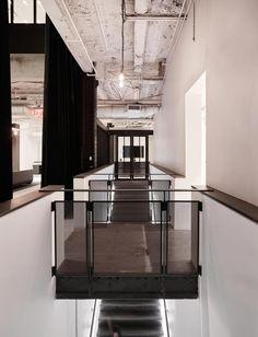 Gallery of Media Headquarters / Olson Kundig - 23