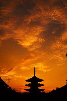 Sunset in Kyoto, Japan 黄昏 - 京都 八坂の塔