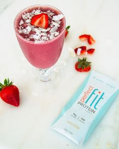 Strawberry Coconut Smoothie from the Tone It Up NUTRITION PLAN ❤️