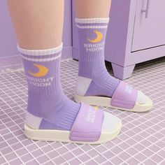 Size: men and women size Inciuding:Two Pairs purple Socks Material: cotton Color: purple Tips: = About color&size difference: According to the light and different computer monitor, the color may be slightly different as pictures.