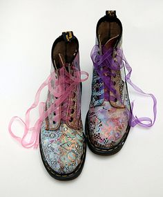 [love the 'laces' and such pretty boots, but couldn't wear them]