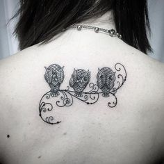 Today we're going to step again into the world of animal tattoos bringing you 50 of the most beautiful owl tattoo designs, explaining their meaning. Animal Tattoos For Women, Unique Tattoos For Women, Trendy Tattoos, Symbol Tattoos, Body Art Tattoos, New Tattoos, Cool Tattoos, Cute Owl Tattoo, Owl Tattoo Small