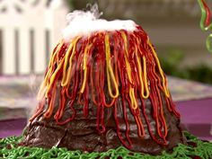 Volcano Cake recipe from Semi-Homemade Cooking via Food Network Kid Science, Science Party, Cool Science Experiments, Science Fair, Teaching Science, Science Activities, Science Projects, Activities For Kids, Crafts For Kids